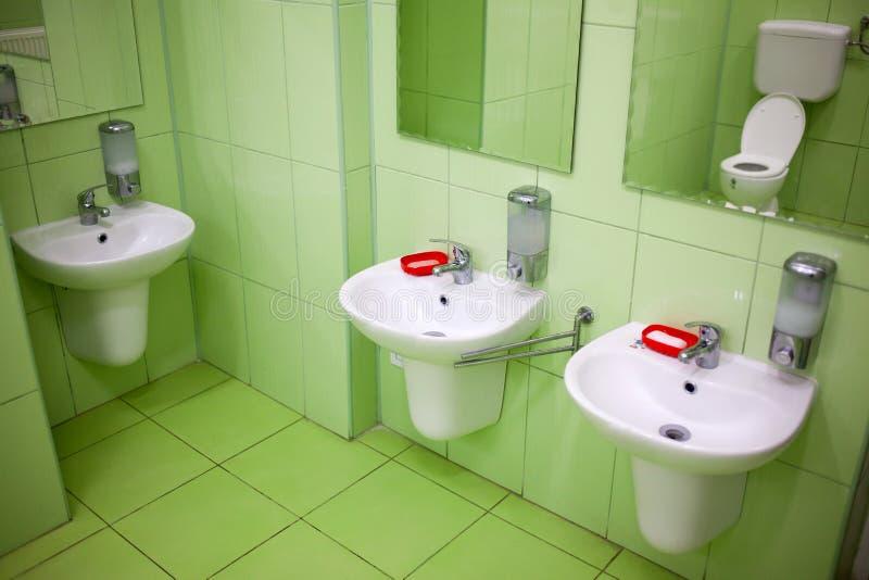 Toalete e washroom das crianças imagens de stock royalty free