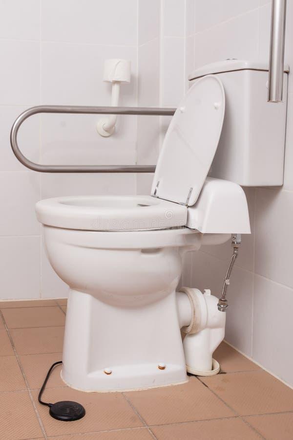 Toalete para povos com inabilidades fotos de stock