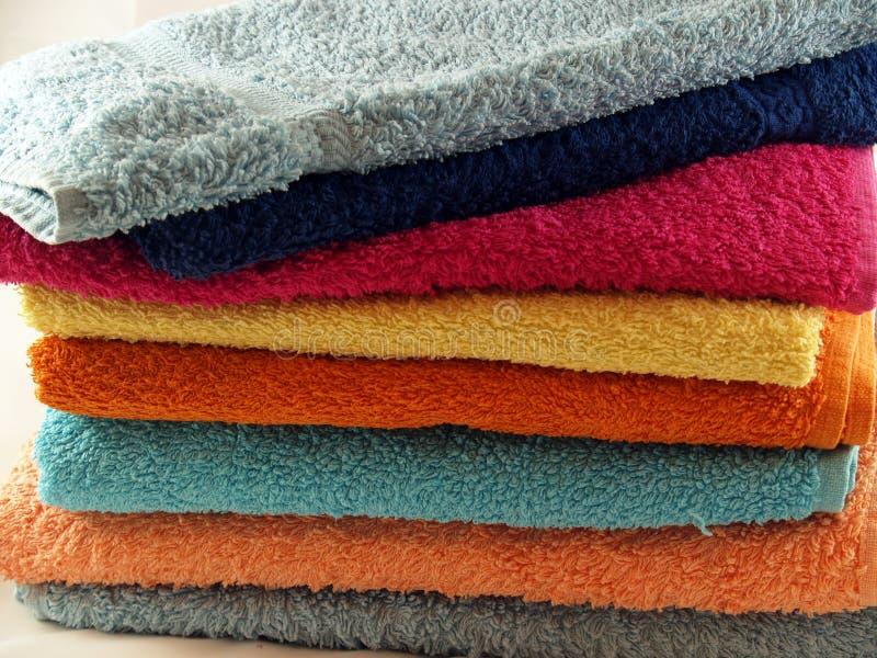 Toallas coloreadas imágenes de archivo libres de regalías
