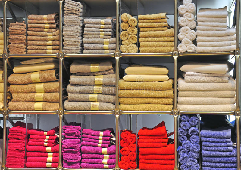 Toallas coloridas fotos de archivo libres de regalías