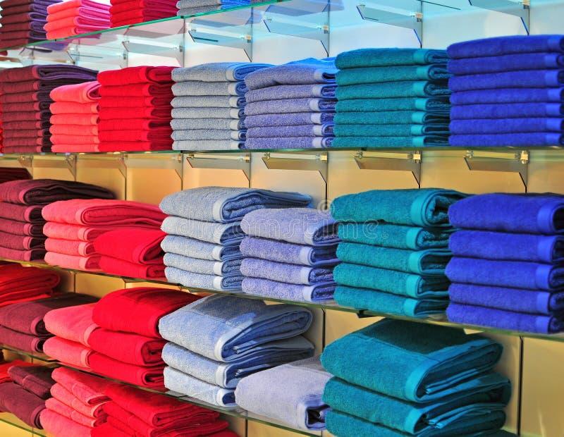 Toallas coloridas fotografía de archivo