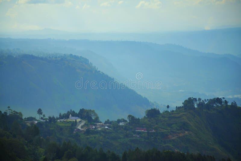 Toba Caldera Landschaftsbild von Huta Ginjang North Sumatra lizenzfreies stockbild