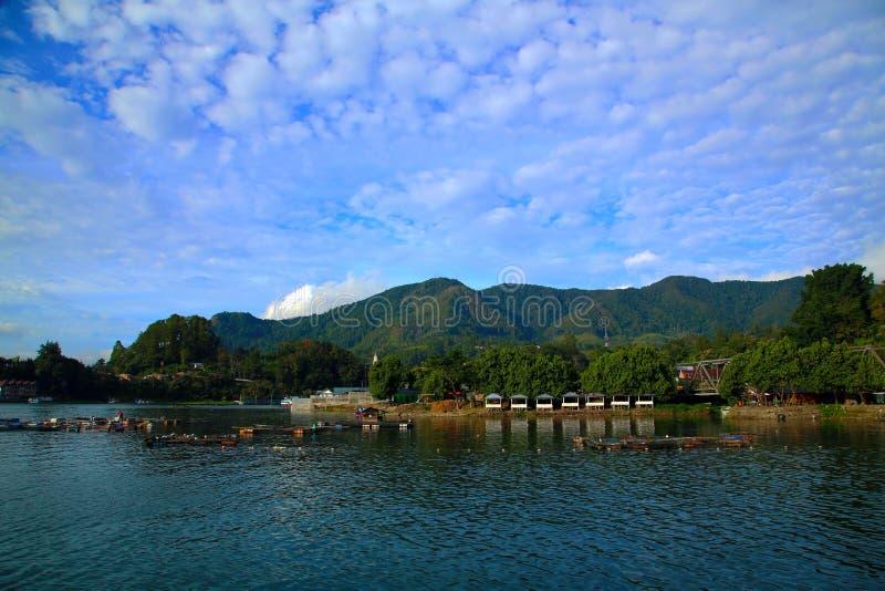 Toba sjö i norr SUmatera indonesia fotografering för bildbyråer