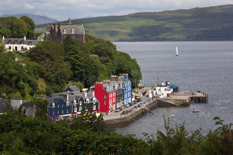 Tobarmory - isla de reflexione sobre - Escocia foto de archivo libre de regalías