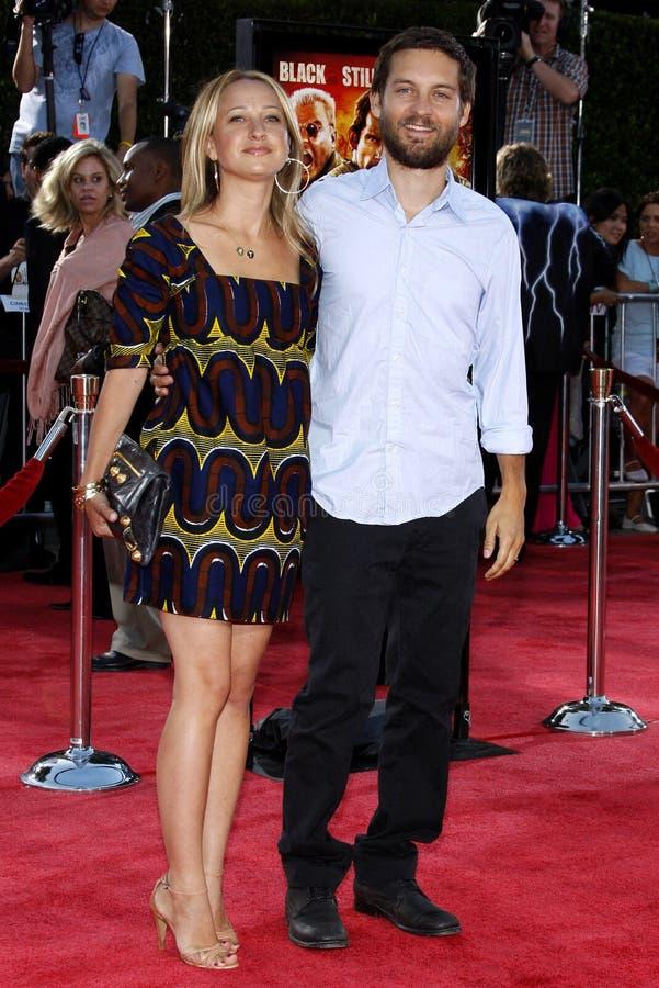 Tobey Maguire y Jennifer Meyer foto de archivo
