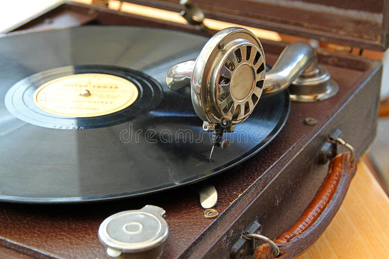 Tocadiscos del fonógrafo del vintage fotografía de archivo