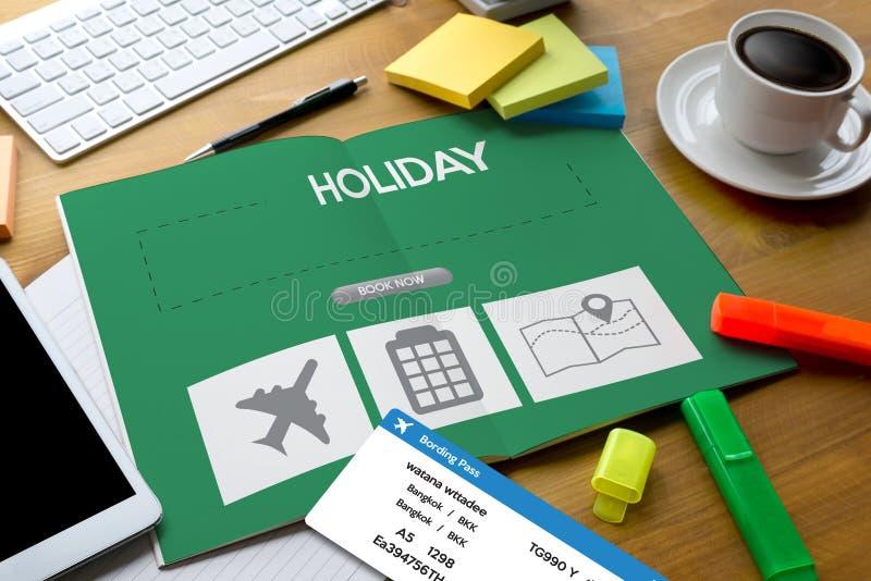 tocchi l'interfaccia online di prenotazione di prenotazione di festa per andare viaggio UFF fotografia stock