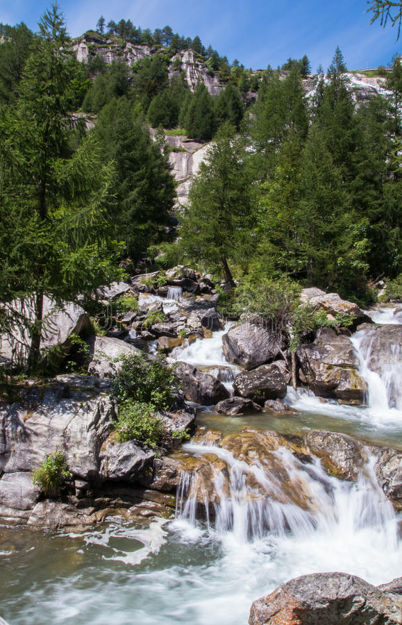 Download Toce Falls In Northern Italy Stock Image - Image of cascade, green: 26324601