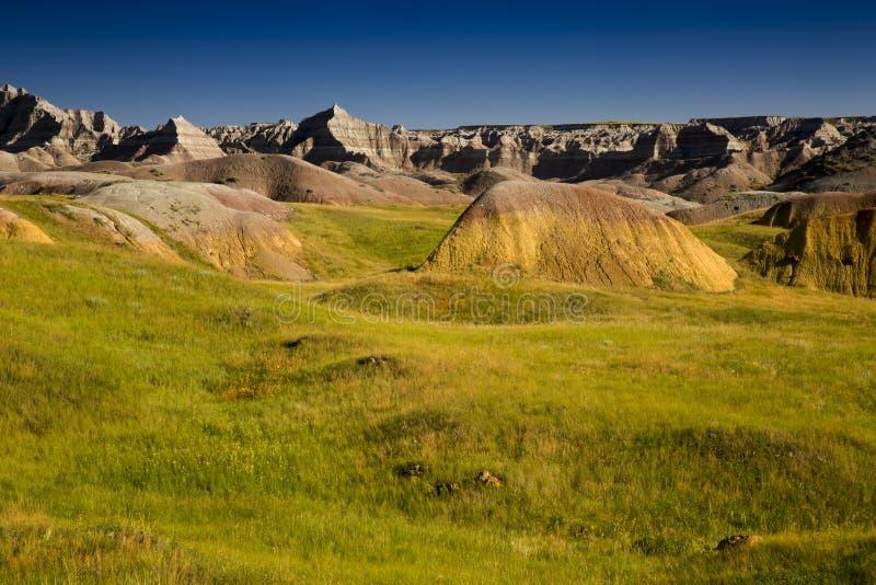 Toczni wzgórza, preria i kolorów żółtych kopowie, badlands, Południowy Dakota fotografia stock