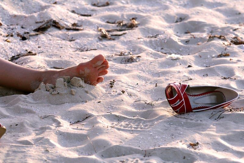 Tod auf dem Strand lizenzfreie stockfotografie