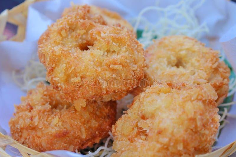 Tod-Mun-Goong fritado dos bolos do camarão, alimento tailandês imagem de stock