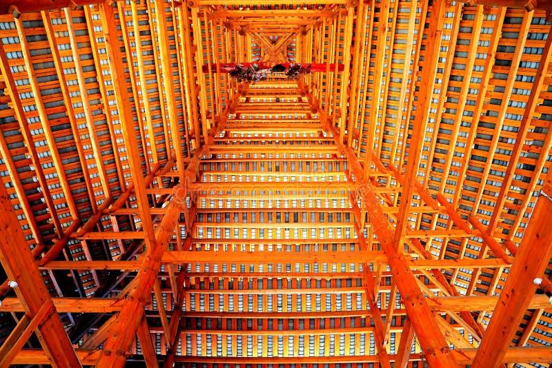 Toda a construção de madeira, as construções originais da nacionalidade do dong foto de stock royalty free