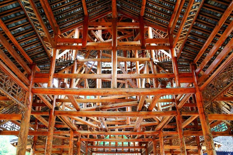 Toda a construção de madeira, as construções originais da nacionalidade do dong imagem de stock royalty free