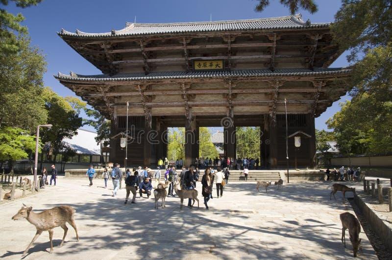 Todai-ji tempelport, Nara, Japan arkivbild