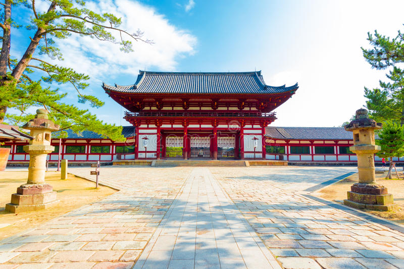 Todai-Jitempel-rotes Tor Front Entrance Blue Sky H stockbilder