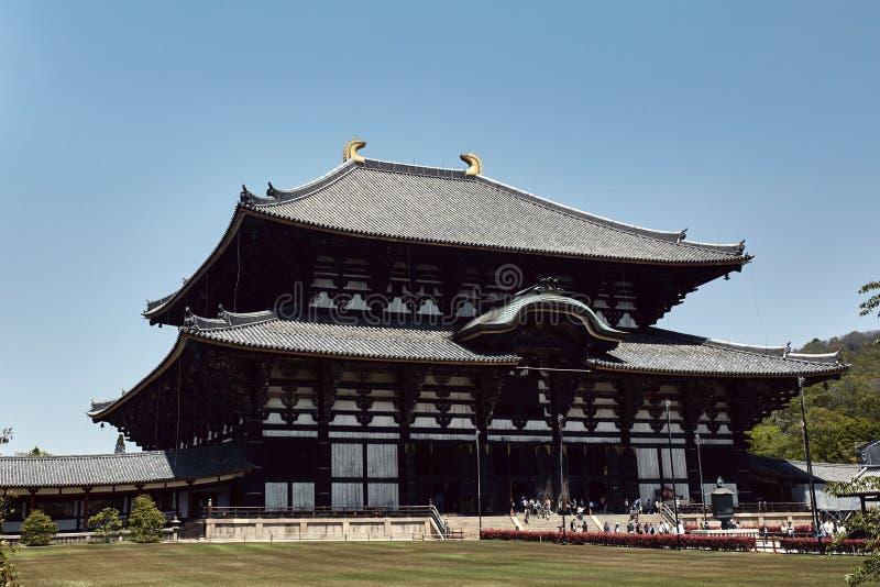 Todaiji tempel på en varm vårdag arkivfoto