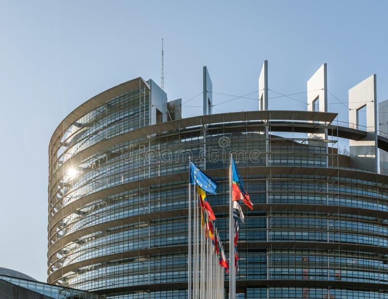 Todas as bandeiras dos membros dos países europeus que acenam eleições do parlamento foto de stock royalty free