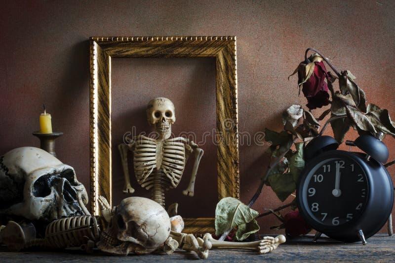 Todavía concepto, tiempo y muerte de la vida fotografía de archivo