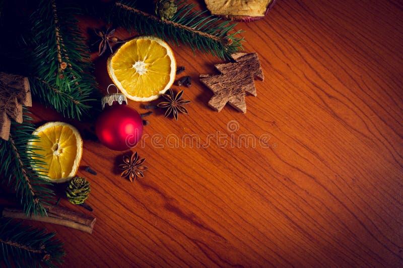 Todavía de la Navidad vida con la fruta y las especias fotografía de archivo