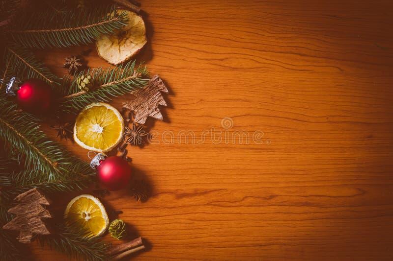 Todavía de la Navidad vida con la fruta y las especias fotos de archivo