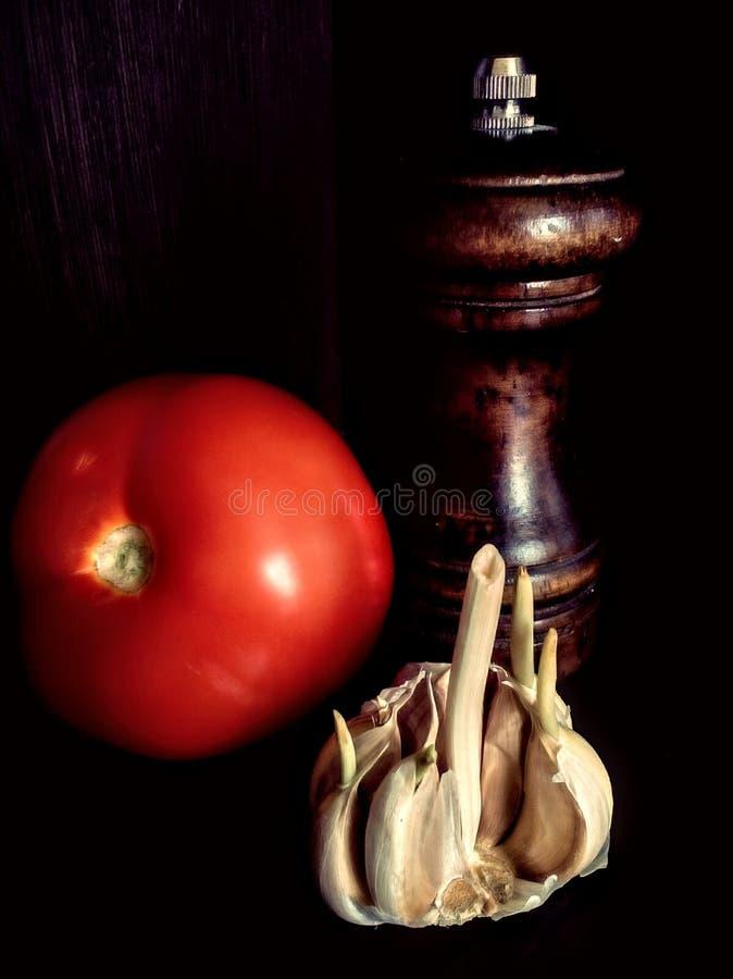 todavía vida con el tomate imagenes de archivo
