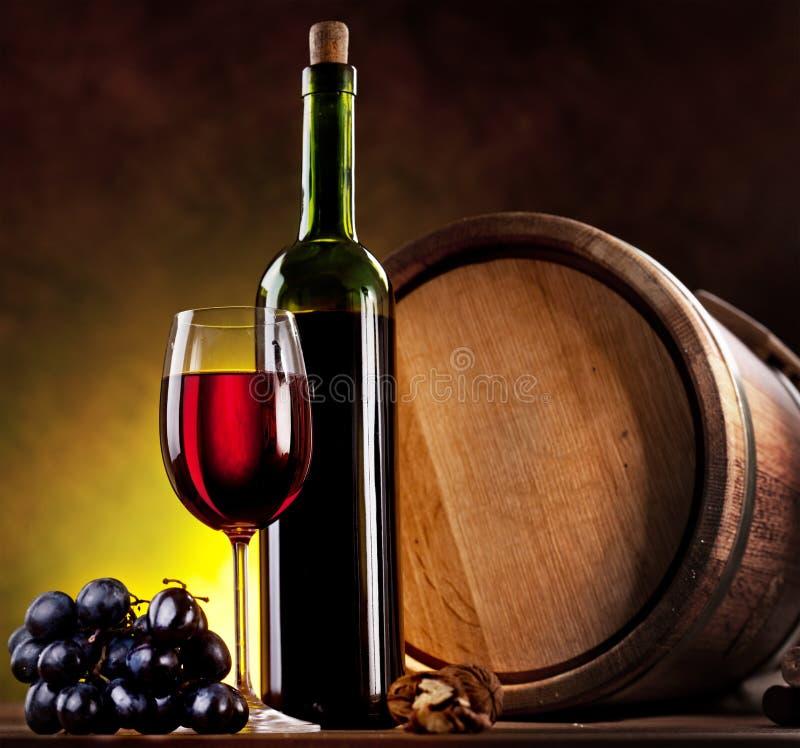 Todavía vida con el vino imagen de archivo libre de regalías