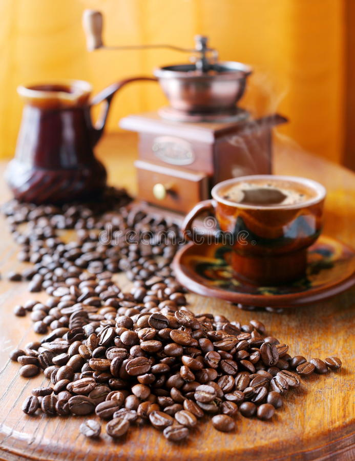 Todavía vida con los granos de café imagen de archivo libre de regalías