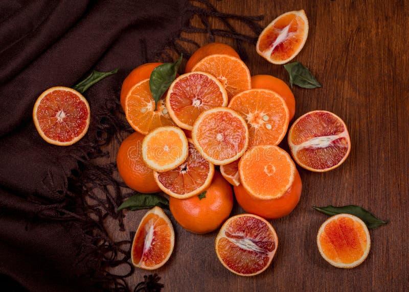 Todavía vida de naranjas Montaña anaranjada fotografía de archivo