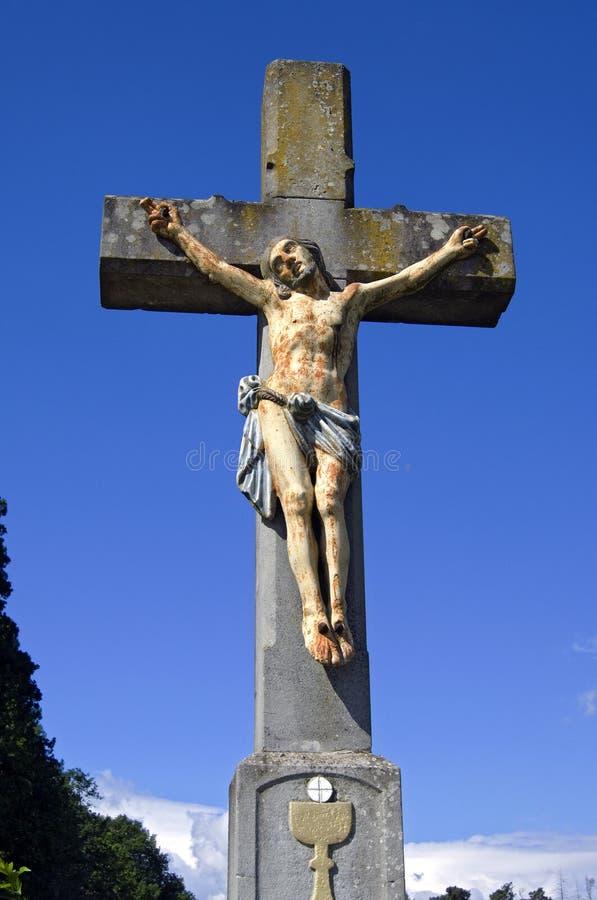 Todavía vida de un crucifijo alemán del sur colorido foto de archivo libre de regalías