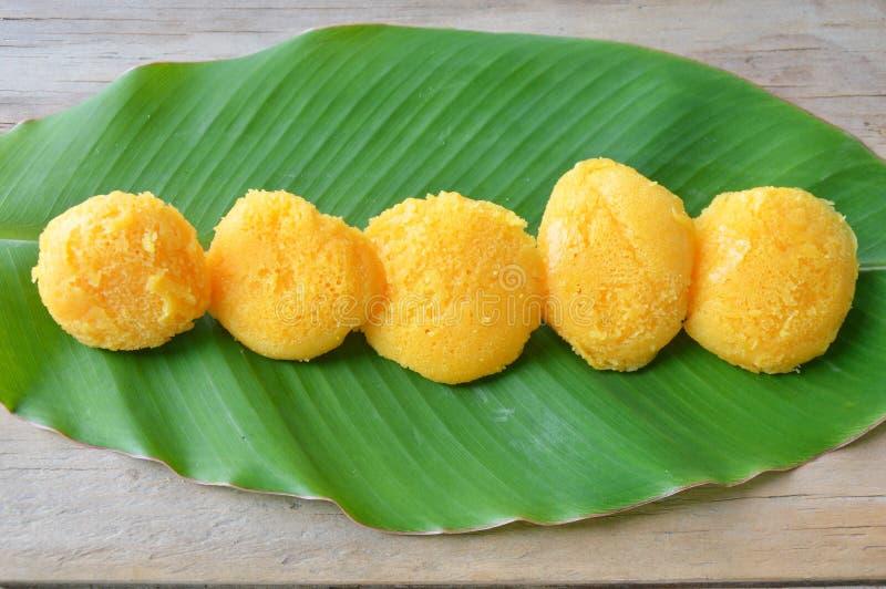 toddy het Thaise dessert van de palmcake op vers banaanblad royalty-vrije stock foto