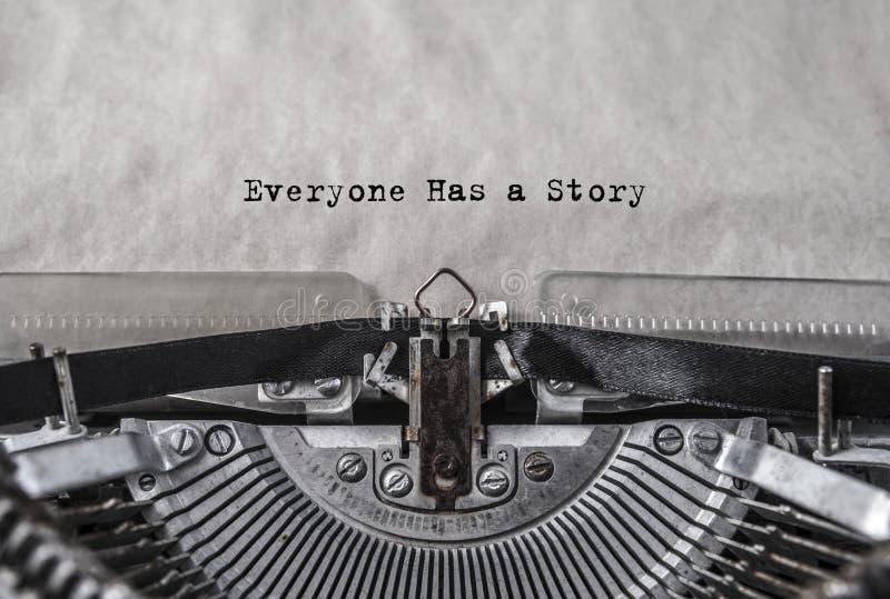 Todo el mundo tiene una historia mecanografiada palabras foto de archivo
