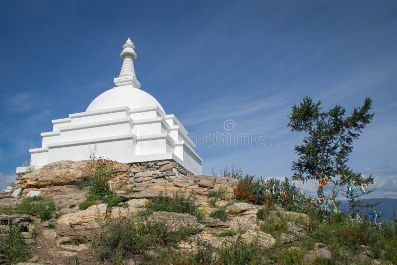 Todo o Stupa auspicioso de Great Awakening, ilha de Ogoy, o Lago Baikal fotografia de stock