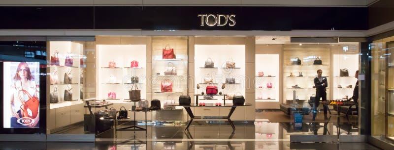 Tods lager i den Munich flygplatsen royaltyfri fotografi