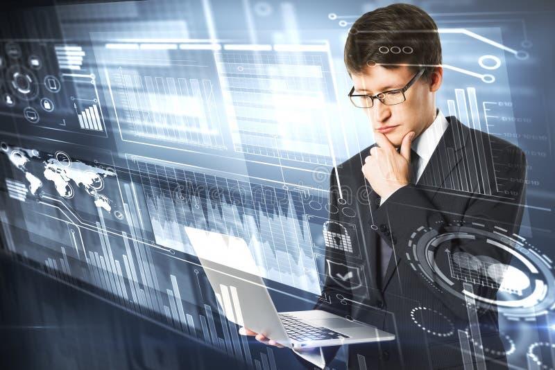 Toekomst, innovatie en technologieconcept stock afbeeldingen