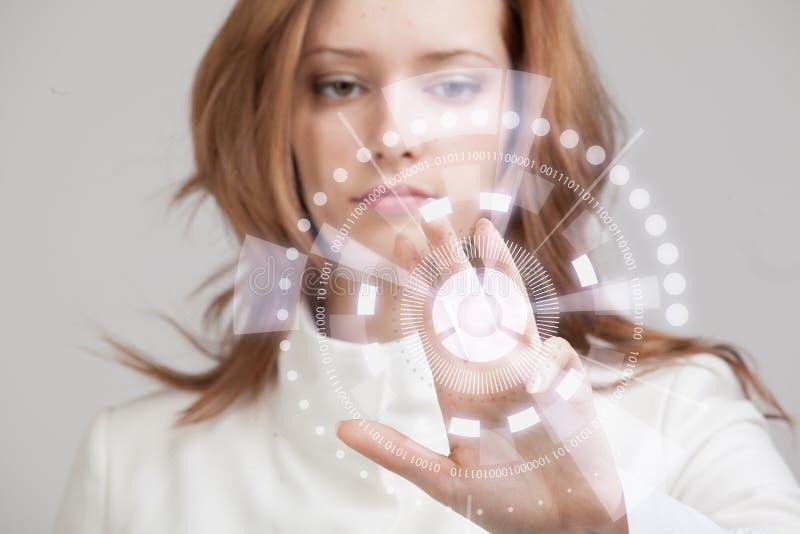Toekomstige Technologie Vrouw die met futuristisch werken royalty-vrije stock afbeeldingen