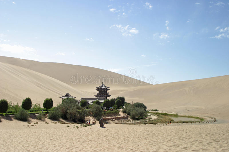 Toenemend meer in Mingsha Shan stock foto