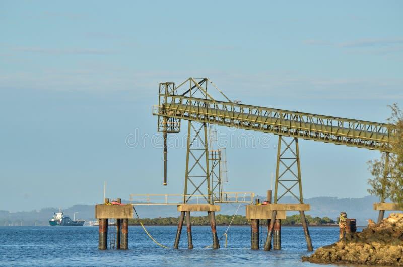 Toerisme versus mijnbouw royalty-vrije stock foto's