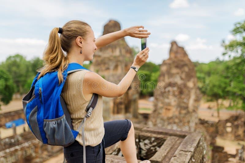 Toerist die beeld van Prerup nemen, Angkor, Kambodja royalty-vrije stock afbeeldingen