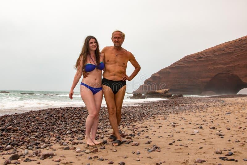 Toerist in een reis binnen door Marokko stock afbeeldingen