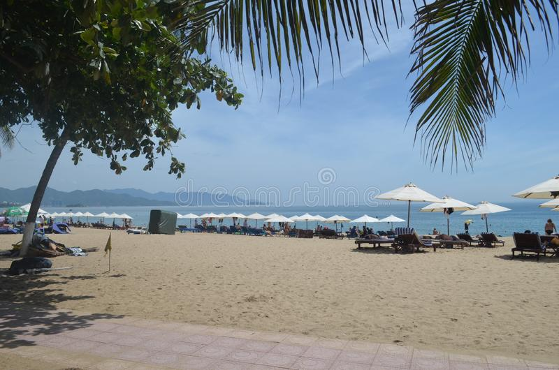Toerist van Vietnam van het Nha trang strand _ stock foto