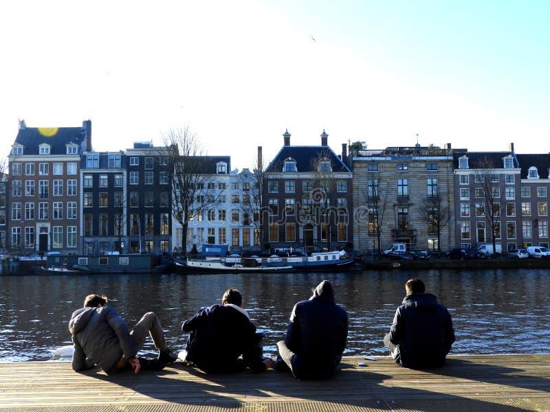 Toeristen in Amsterdam royalty-vrije stock afbeeldingen