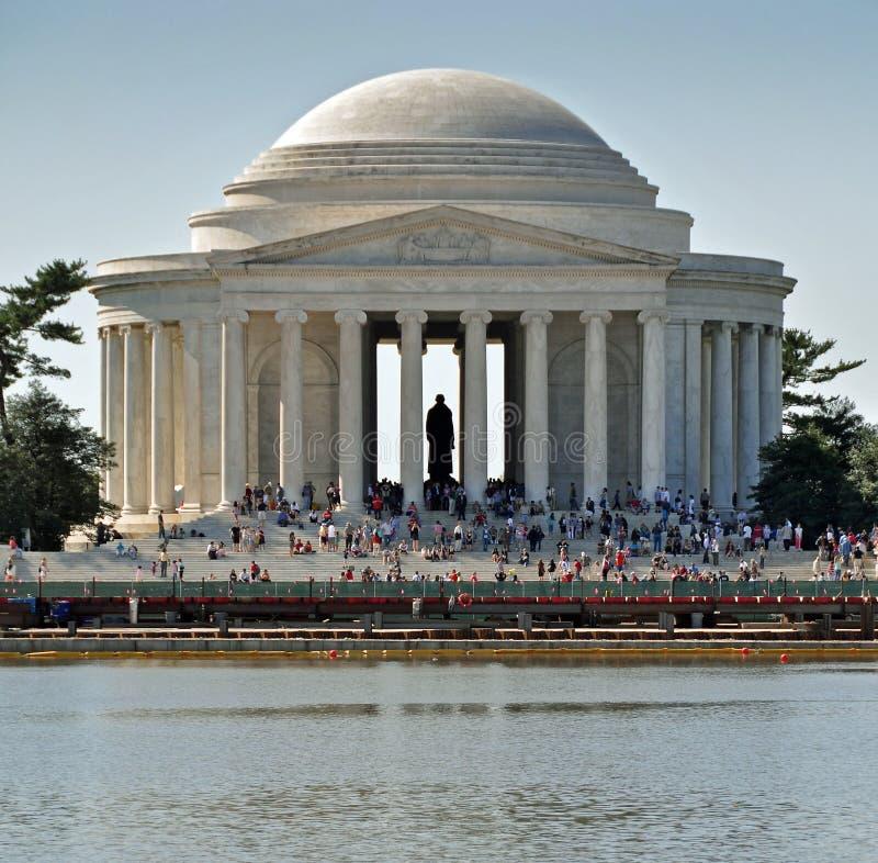Toeristen bij Gedenkteken Jefferson royalty-vrije stock foto's