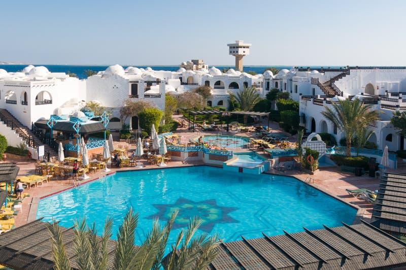 Toeristen bij Hurghada-hotel royalty-vrije stock afbeelding
