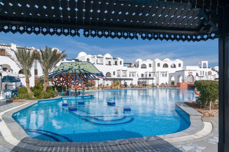 Toeristen bij Hurghada-hotel royalty-vrije stock fotografie
