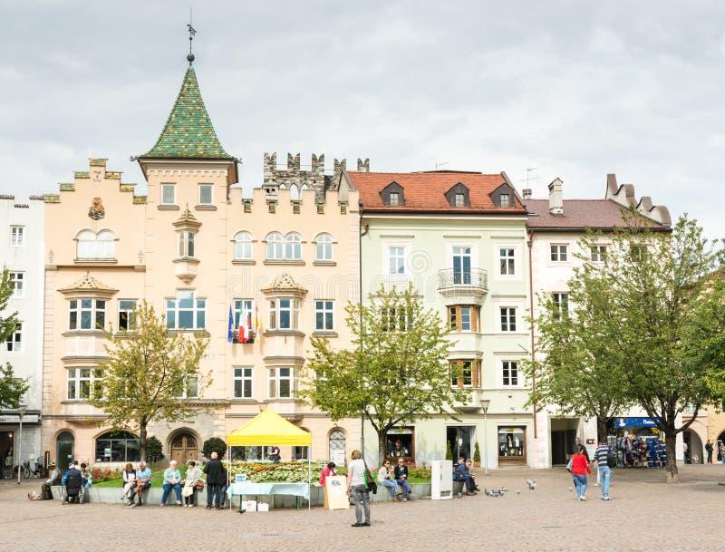 Toeristen in Brixen stock afbeelding