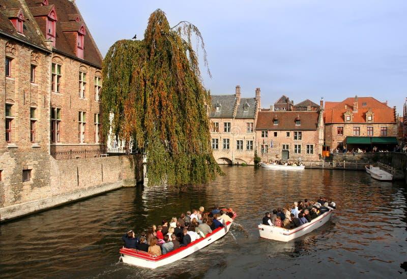 Toeristen in Brugge stock fotografie