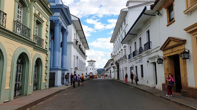 Toeristen in de blanke stad Popayan, Colombia stock afbeeldingen