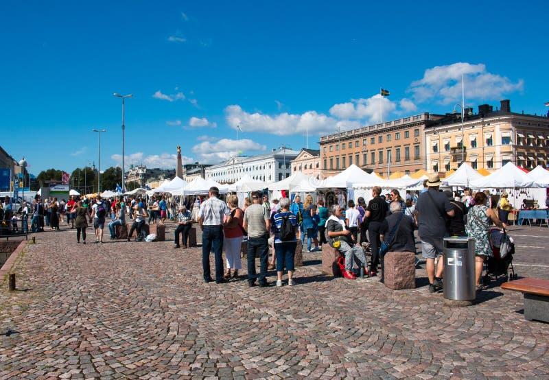 Toeristen die in Helsinki winkelen royalty-vrije stock foto's