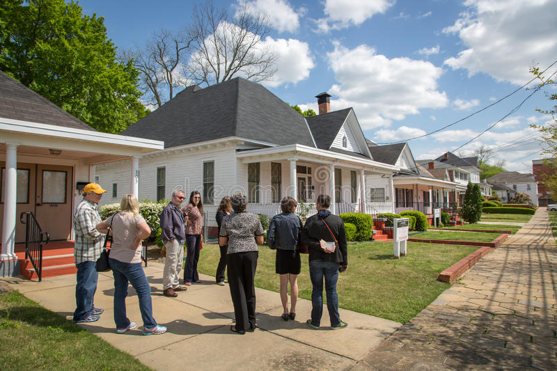 Toeristen in een blauwe hemeldag in Montgomery Alabama, de V.S. royalty-vrije stock fotografie