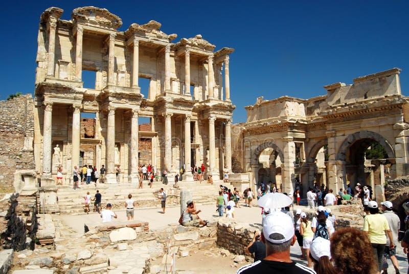 Toeristen in Ephesus - Turkije royalty-vrije stock foto